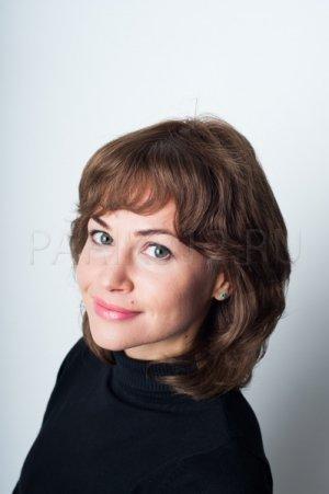 Парик натуральные волнистые волосы Elegant Hair Collection