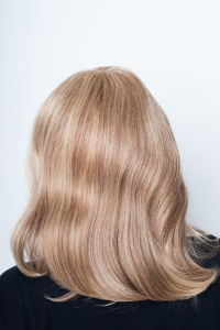 Красивый натуральный парик Elegant Hair Collection